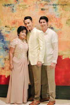 Barong Tagalog Wedding, Barong Wedding, Filipiniana Wedding Theme, Wedding Outfits For Groom, Wedding Suits, Wedding Attire, Wedding Gowns, Groom Wear, Groom Attire