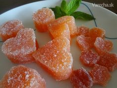 quince jelly (in slovak) Dulové želé Quince Jelly, Candy Recipes, Food And Drink, Peach, Sweets, Homemade, Med, Advent, Anna