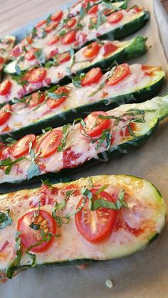 So maybe you're trying to decide on a Super Bowl treat to enjoy without feeling completely derailed? Zucchini boats to the rescue! 12 boats, 6-8 servings Ingredients: 6 small, fresh zucchini Sea sa