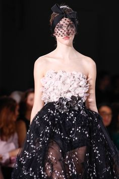 Giambattista Valli Spring 2015 Couture Fashion Show Details