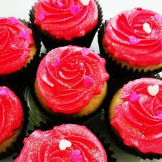 Vanilla Cupcakes, Happy Valentines Day, Delish, Baking, Rose, Simple, Desserts, Tailgate Desserts, Pink