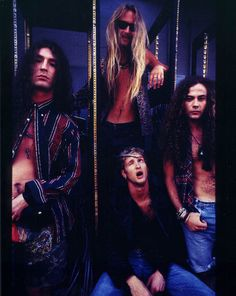 What I would give to be around during the uprising of 90's grunge. Alice in Chains