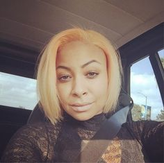 Raven-Symone publicly shuts down rumors that she was also sexually abused by Bill Cosby. Peach Hair Colors, Hot Hair Colors, Raven Symone, Celebrity Hair Colors, Celebrity News, Green Wig, African American Hairstyles, Celebrity Hairstyles, Bob Hairstyles
