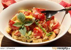 Rajčatový salát s Hermelínem a vejcem Pasta Salad, Thai Red Curry, Potato Salad, Salads, Food And Drink, Low Carb, Potatoes, Chicken, Ethnic Recipes