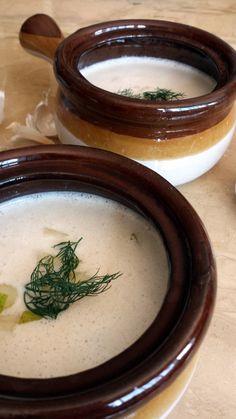 ajo blanco. Cold almond soup