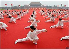 Diferencias entre Chi Kung (Qi Gong), Tai Chi y Yoga. Qi Gong, Tai Chi Chuan, Tai Chi Qigong, Dojo, Kung Fu, Benefits Of Tai Chi, Tai Chi Moves, Learn Tai Chi, Chinese Martial Arts