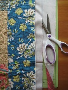 Quick Quilt Binding - Quilting Tutorials and Fabric Creations - Quilting in the Rain Quilt binding using backing brought to the front. Quilting Tools, Quilting Tutorials, Machine Quilting, Quilting Projects, Sewing Projects, Quilting Ideas, Beginner Quilting, Hand Quilting, Sewing Hacks