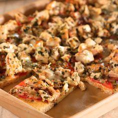 Chicken, Pesto & Tomato Flatbread - The Pampered Chef® www.pamperedchef.biz/nataliahibbert