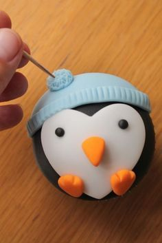 How to Make Penguin Cupcakes