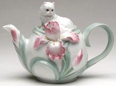 PERSIAN-CAT-WITH-IRIS-FLOWER-Porcelain-Tea-Pot-Teapot