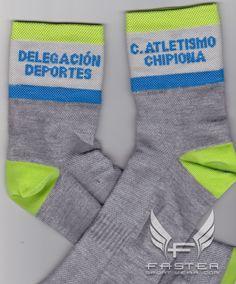 CLUB ATLETISMO CHIPIONA presentan sus nuevos calcetines de regalo para sus numerosos participantes en la próxima competición de carreras populares fabricados por www.FasterSportWear.com