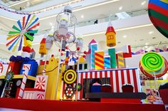 [PHOTOS] SAYS Top 10 Must-Selfie Christmas Mall Decorations This 2014