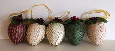 {Handmade Christmas} Pinecone Ornaments