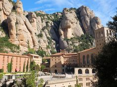 Santa+Maria+de+Montserrat+Abbey+-+A+beautiful+mountaintop+abbey+that+offers+breathtaking+views+over+the+whole+of+Catalonia,+and+houses+a+famed+image+of+Black+Madonna.