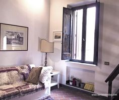 "@Paula May In Beautiful #Rome Mi hogar en Roma con GowithOh ""Un rincón del salón"""