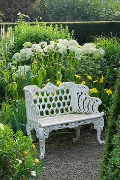 New Farmhouse Garden Bench 66 Ideas