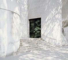Noemie Goudal - Cavity, 2012.