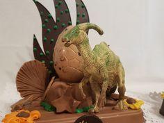 Bollos de Pascua con Dinos. Figuras de chocolate en Gijón. San Antonio, Dinosaur Stuffed Animal, Toys, Animals, Godchild, Buns, Easter, Activity Toys, Animales