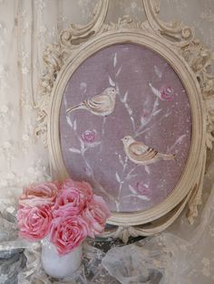 Tableau et cadre shabby chic aux oiseaux et roses. www.perledelumieres.com Picture and frame shabby chic , birds and roses