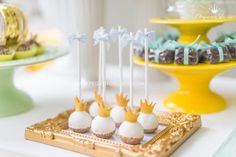 little-prince-crown-baby-shower-crown-cakepops-treats