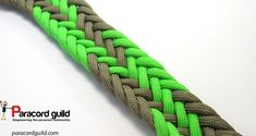 11 strand flat braid- gaucho style I could see th Paracord Braids, Paracord Knots, Paracord Keychain, Paracord Bracelets, Paracord Tutorial, Bracelet Tutorial, Paracord Projects, Paracord Ideas, Stitch Braids