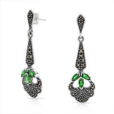 Bling Jewelry Bling Jewelry Simulated Emerald Glass Green Dangle... ($40) ❤ liked on Polyvore featuring jewelry, earrings, green, emerald green earrings, silver chandelier earrings, vintage chandelier earrings, long dangle earrings and green drop earrings