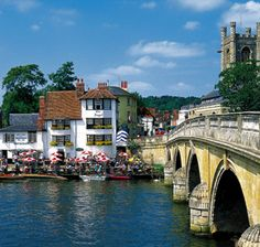 Henley, Oxfordshire    Where my cousin lives