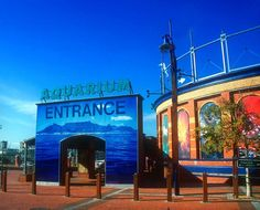 For me, no visit to Cape Town is complete without a visit to the V&A Waterfront, which houses - among other things - the wonderful aquarium, probably the best one I've ever seen.