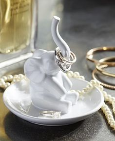 cute ceramic elephant ring holder http://rstyle.me/n/tq6tsr9te