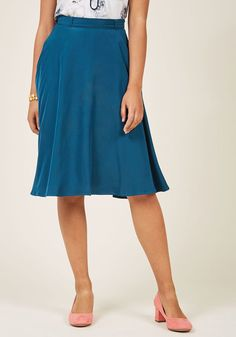 Marvelous Midi Skirt with Pockets in Lake