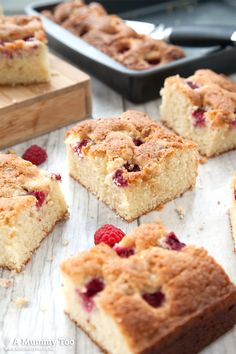 This golden traybake is gorgeous - soft, light sponge, ever so slightly gooey around the edges of the tangy raspberries, and all dotted with sweet, creamy white chocolate chips. Heavenly.