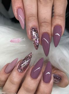 The advantage of the gel is that it allows you to enjoy your French manicure for a long time. There are four different ways to make a French manicure on gel nails. Fancy Nails, Trendy Nails, My Nails, Mauve Nails, Purple Nails, Gold Nails, Nagellack Trends, Nails 2018, Instagram Nails