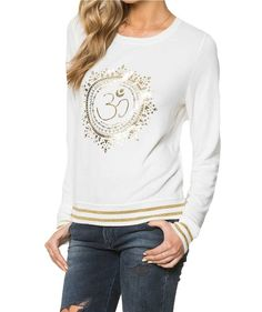 The perfect throw on to elevate your yoga inspired style. The Spiritual Gangster Om Mandala Savasana Sweatshirt is an effortless fit. Sweater Hoodie, Pullover, Spiritual Gangster, Active Wear, Casual Outfits, Fashion Dresses, Graphic Sweatshirt, Clothes For Women, My Style
