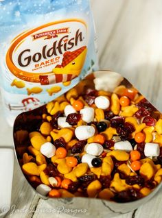 Goldfish Snacks Trail Mix for Fun Holiday Travel, a fun and easy snack mix throw., Goldfish Snacks Trail Mix for Fun Holiday Travel, a fun and easy snack mix thrown together to make a great snack for on the go or at the park! Trail Mix Recipes, Snack Mix Recipes, Baby Food Recipes, Snack Mixes, Kids Snack Mix, Snack Ideas For Kids, Fall Recipes, Fall Snacks, Lunch Snacks