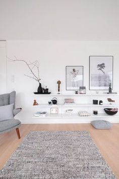 String Shelf Decoration White The post Das neue String-Regal. appeared first on Vardagsrum Diy. Appartement New York, Appartement Design, Room Inspiration, Interior Inspiration, Living Room Designs, Living Room Decor, String Regal, String Shelf, Salon Interior Design