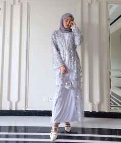 Official Clevina (@clevina_) • Foto dan video Instagram Dress Brokat Muslim, Dress Brokat Modern, Kebaya Modern Dress, Dress Pesta, Kebaya Muslim, Dress Brukat, Hijab Dress Party, Hijab Style Dress, Dress Outfits