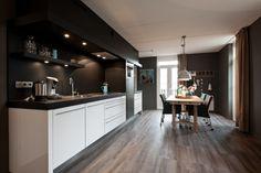 nieuwe stijlvolle keuken