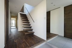 H建築スタジオ の モダンな 廊下&階段 玄関ホール Log Homes, Home Office, Stairs, Architecture, Interior, Design, Home Decor, Houses, Home