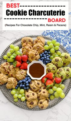 best cookie charcuterie board Homemade Desserts, Easy Desserts, Delicious Desserts, Baking Recipes, Cookie Recipes, Dessert Recipes, Bar Recipes, Easy Appetizer Recipes, Yummy Appetizers
