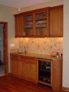 Hendersonville Home in the Hills   Bar area
