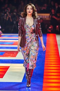 ab80e91d Tommy Hilfiger Spring 2019 Ready-to-Wear Collection - Vogue Zendaya, Vogue  Russia