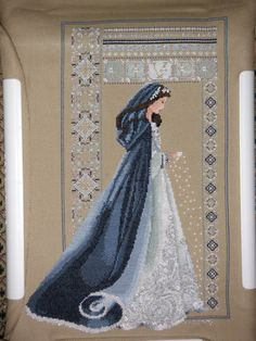 Lovely re-imagining of Lavender & Lace's Celtic Winter: Celtic Hiver. I really enjoy the cape and hood.