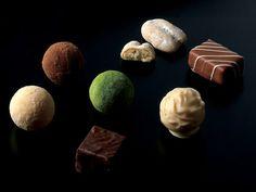 """予約の取れない和食店「賛否両論」の笠原将弘氏が手がける、""""和""""のチョコレートをチェック!"""