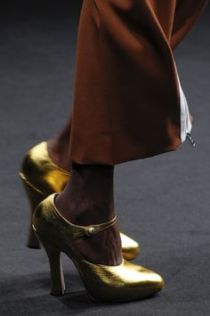 Catwalk photos and all the looks from Gucci Autumn/Winter 2016-17 Ready-To-Wear Milan Fashion Week