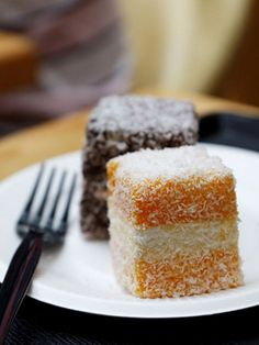 The Lamington Lamingtons are an all-time Australian favourite sweet treat. The sponge cake pieces dipped in chocolate and rolled through desiccated coconut are firmly planted into our childhood. Raspberry And White Chocolate Muffins, Chocolate Roll, Baking Classes, Cake Mix Recipes, Cupcake Recipes, Small Desserts, Cream Tea, Small Cake, Mini Cakes