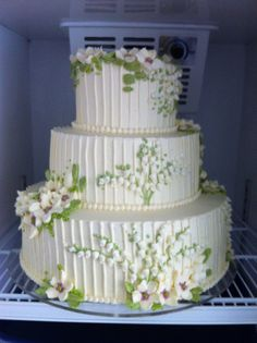 lily of the valley...cake AND lily of the valley??? OMG!