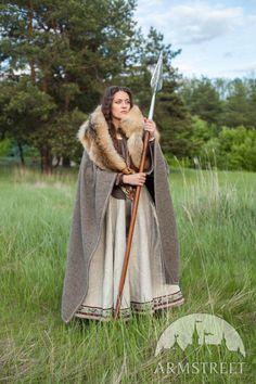 "Woolen Cloak ""Eydis the Shieldmaiden"""