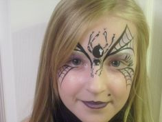 Face painting Spider Face Painting, Girl Face Painting, Face Painting Designs, Face Paintings, Witch Face Paint, Gold Face Paint, Theme Halloween, Halloween Face, Halloween Makeup