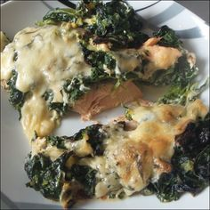 Ein schnelles und einfaches Gericht ist mein Lowcarb Lachsgratin. Mit ganz wenigen Kohlenhydraten eignet es sich hervorragend für die ketogene Ernährung.
