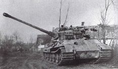 Henschel Kingtiger of the most succesful Tank Commander in World War Kurt Knispel of 168 confirmed tank kills, more then 30 unconfirmed Tiger Ii, Luftwaffe, Germany Ww2, Military Armor, Tiger Tank, Tank Destroyer, Armored Fighting Vehicle, Ww2 Tanks, Military Diorama